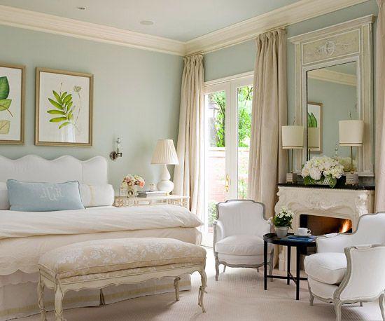 bhg-traditional-bedroom1