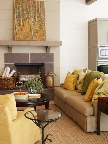 Living Room in Shades of Yellow and Green